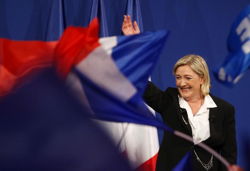 """""""Vi racconto Marine le Pen e la nuova destra europea"""""""