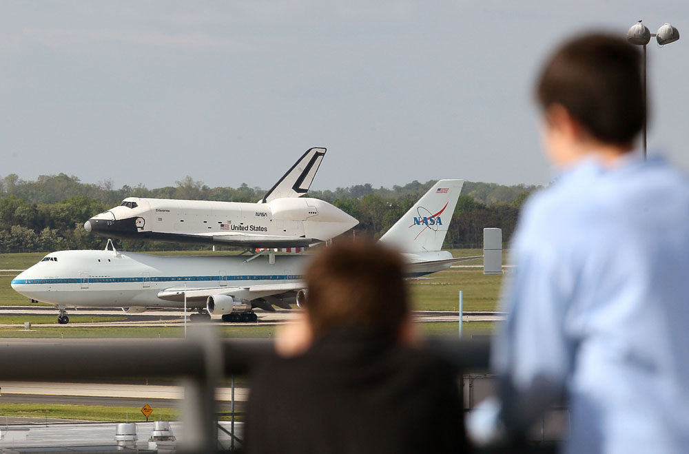 Space Shuttle Enterprise Departs Washington DC For New York Atop 747