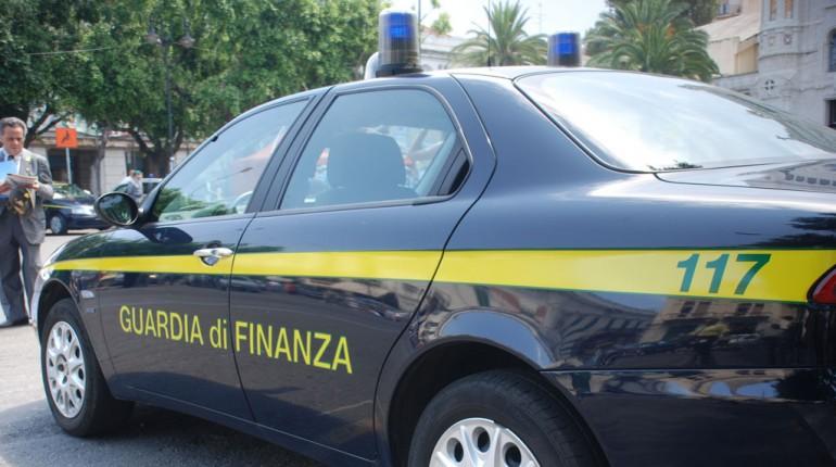 guardia di finanza mega800