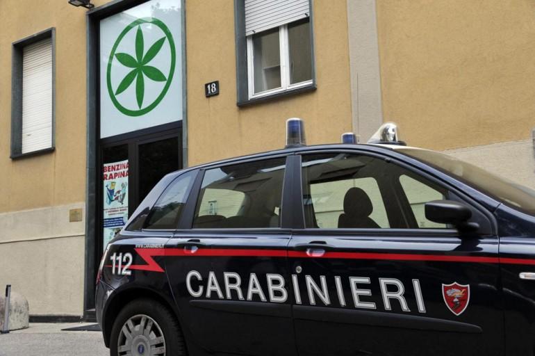 Quello che ha coinvolto la Lega Nord è l'ultimo scandalo politico italiano. Le indagini delle procure di Milano, Napoli e Reggio Calabria stanno mettendo in luce la presunta gestione illecita dei fondi elettorali (e dunque pubblici) del partito