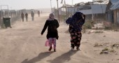 Somali women refugees protect themselves