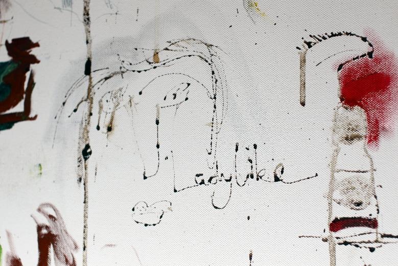 Ladylike, включающая в себя автопортрет Эми Уайнхаус