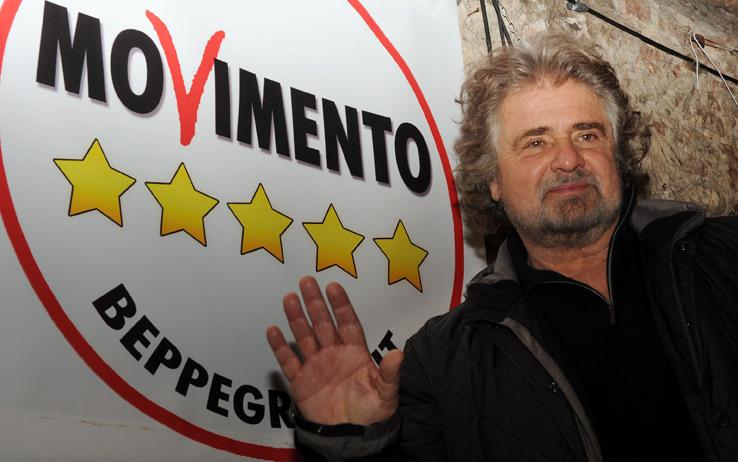 """Beppe Grillo: """"L'Italia deve uscire dall'euro"""""""