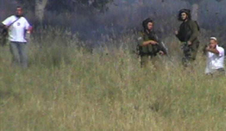 Il video dei coloni israeliani che sparano sui palestinesi