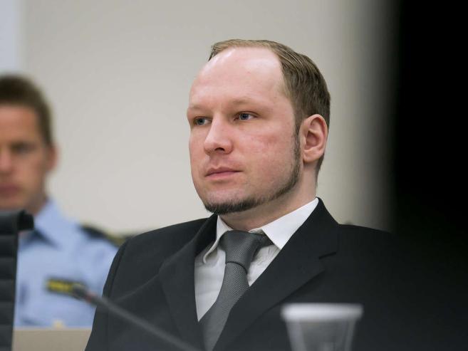 """Il padre di Anders Breivik ha scritto un libro. Il titolo è """"Colpa mia?"""""""