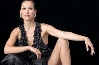 """Sabina Began, la cosiddetta """"apre regina"""" del Bunga Bunga. Sarebbe stata lei a reclutare le ragazze per le famose """"cene eleganti"""" ad Arcore. Oggi lavora al Milan ma, ammette, """"Solo grazie a Berlusconi""""."""