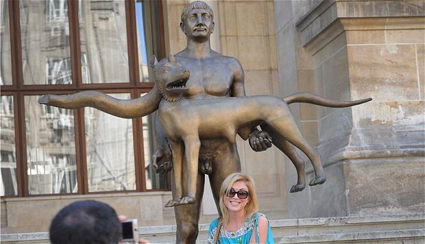 statue2_2209057b (1)