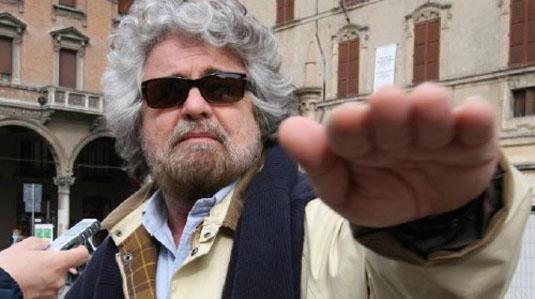 Anonymous attacca il blog  di Beppe Grillo