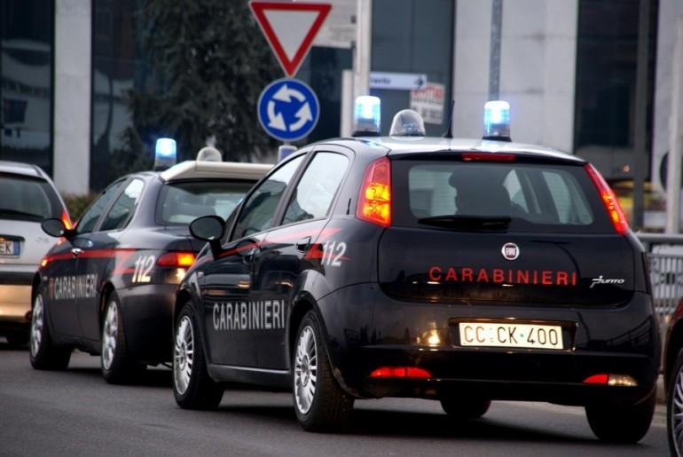 carabinieri auto mega800