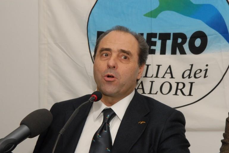 """""""Il Pd vuole far fuori me e Grillo"""""""