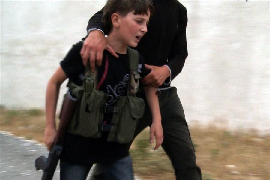 Le foto dei bimbi soldato della guerra in Siria