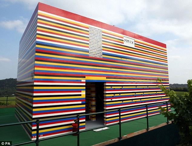 Quanti lego ci vogliono per costruire una casa vera for Una storia di casa piani di log