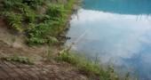 baby-blue-pond-japan-hokkaido-15