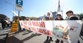 Processo a Beppe Grillo e No Tav per rottura sigilli cantiere Valsusa, tribunale di Torino