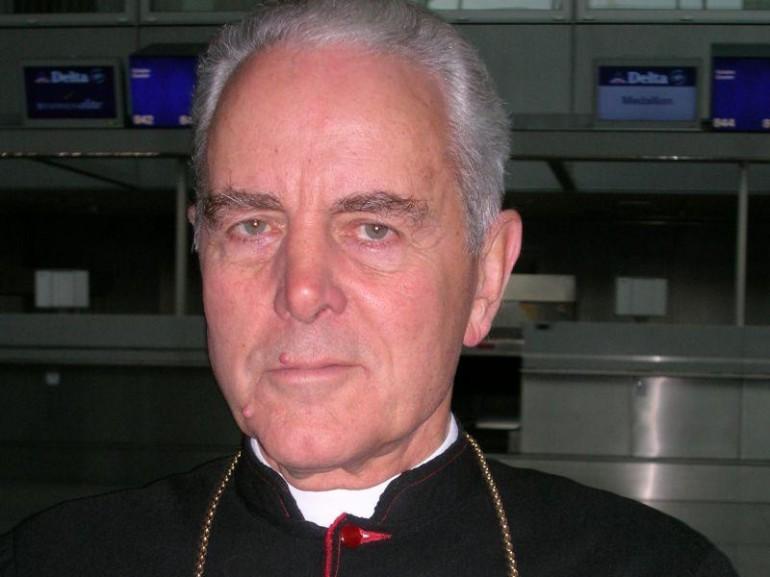 http://www.giornalettismo.com/wp-content/uploads/2012/10/vescovo-williamson-770x577.jpg