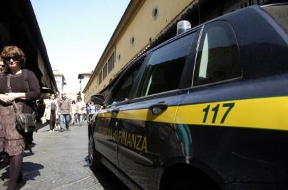 Firenze, blitz della Guardia di Finanza a Ponte Vecchio