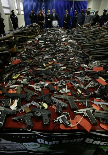 Denaro in cambio di pistole, record di partecipazione a Camden