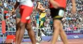 Oscar Pistorius lLASCIA LA PISTA DURANTE IL RISCALDAMENTO PRIMA DELLA  4X400m ai Giochi Paraolimpici di Londra 2012 AFP PHOTO / OLIVIER MORIN        (Photo credit should read OLIVIER MORIN/AFP/GettyImages)