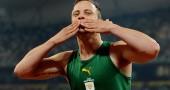 Oscar Pistorius festeggia la vittoria della finale dei 200 metri ai Giochi Paraolimpici di Pachino 2008AFP PHOTO/Mark RALSTON (Photo credit should read MARK RALSTON/AFP/Getty Images)