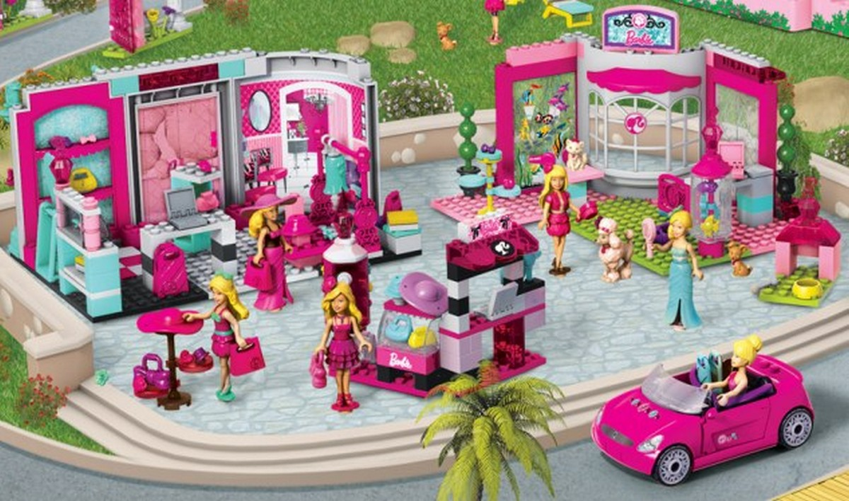 Barbie lancia la sfida ai lego giornalettismo for Piscina di barbie
