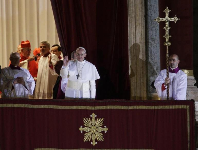 Tutte le polemiche sul nuovo Papa Francesco