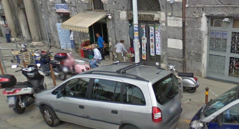Il palazzo crollato a Napoli