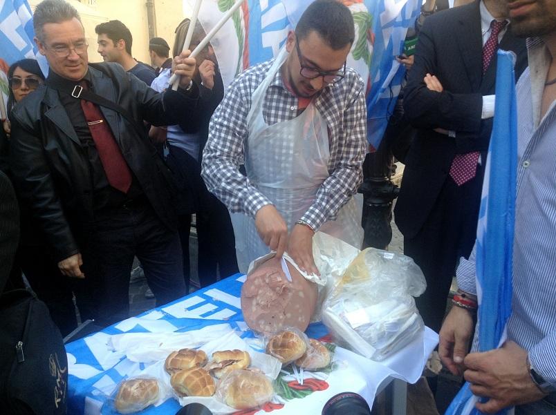La manifestazone di Fratelli d'Italia anti-Prodi