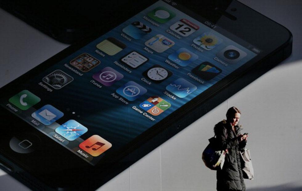 8. Trafficare con il lo smartphone mentre si cammina
