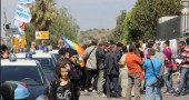 La protesta all'ingresso della discarica
