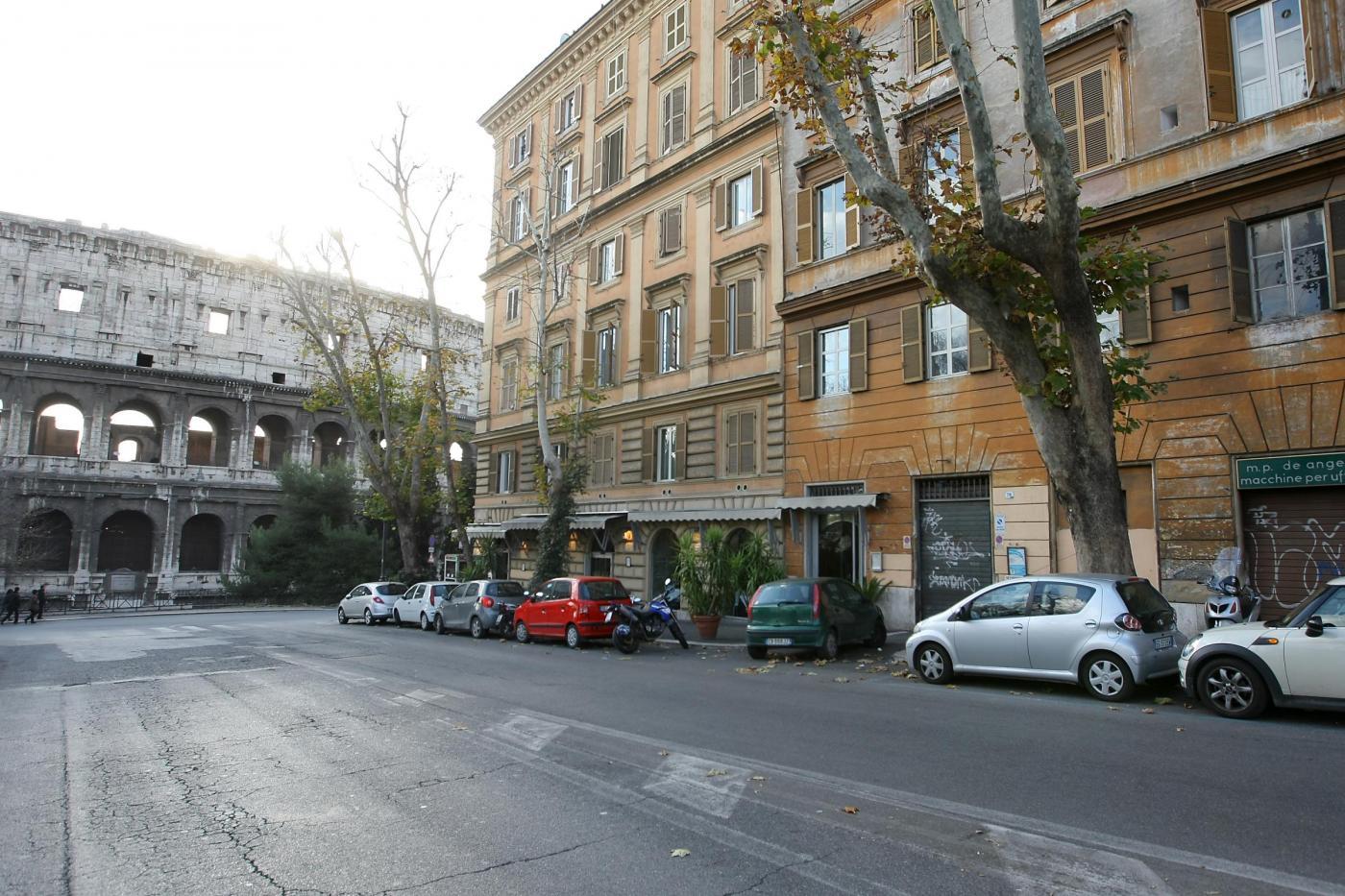 L'edificio vicino al Colosseo dove risiede il ministro Patroni Griffi
