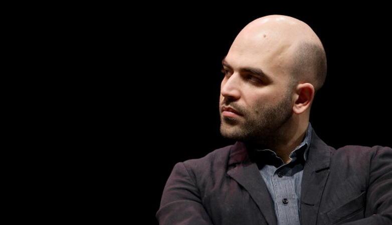 Roberto Saviano striscione