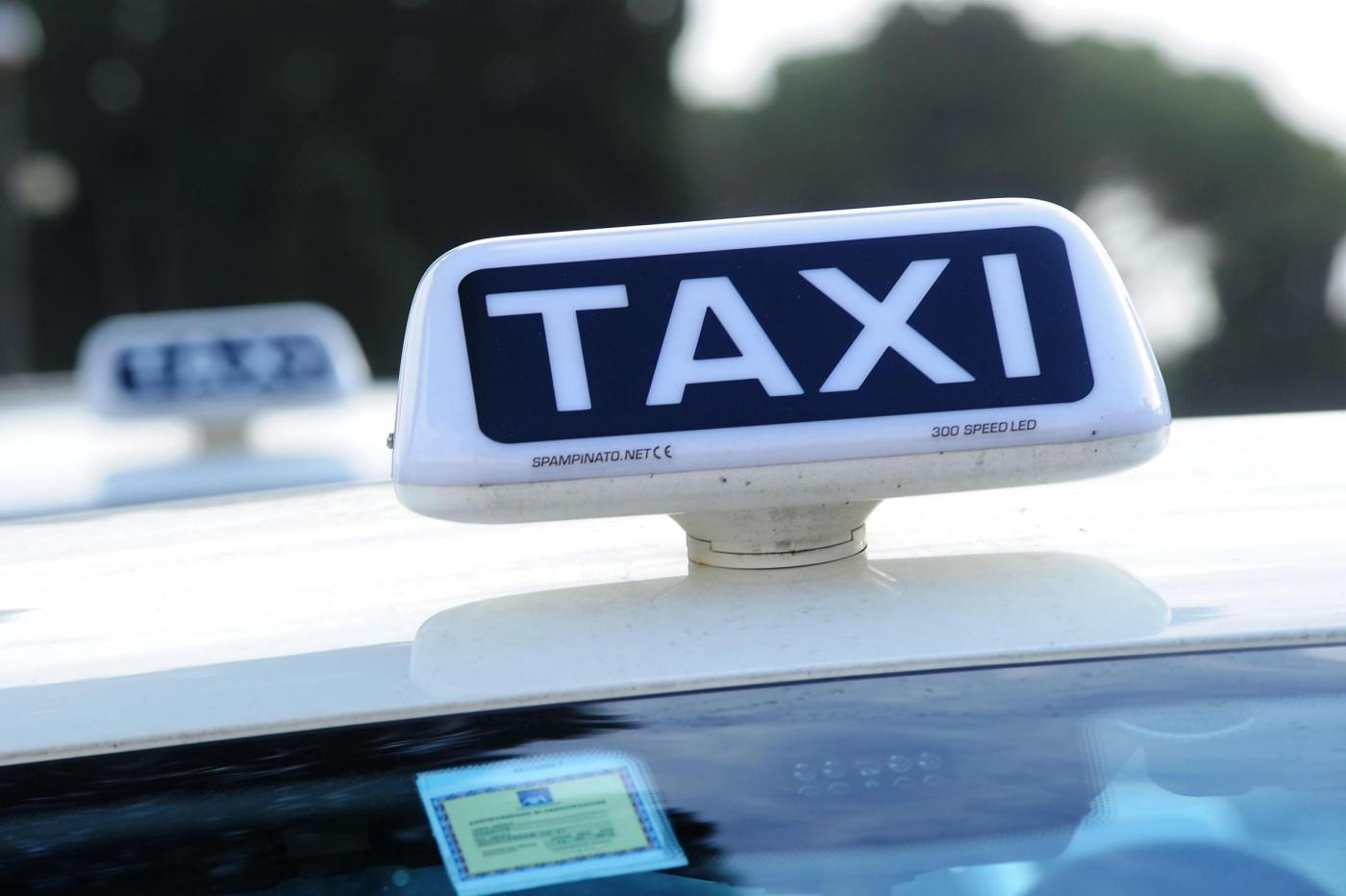 taxi-noleggio-con-conducente (7)