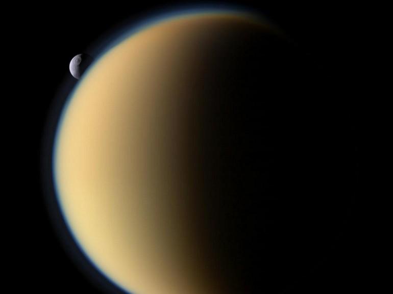 Blue Planet Heart L Uragano Sulla Luna Di Saturno