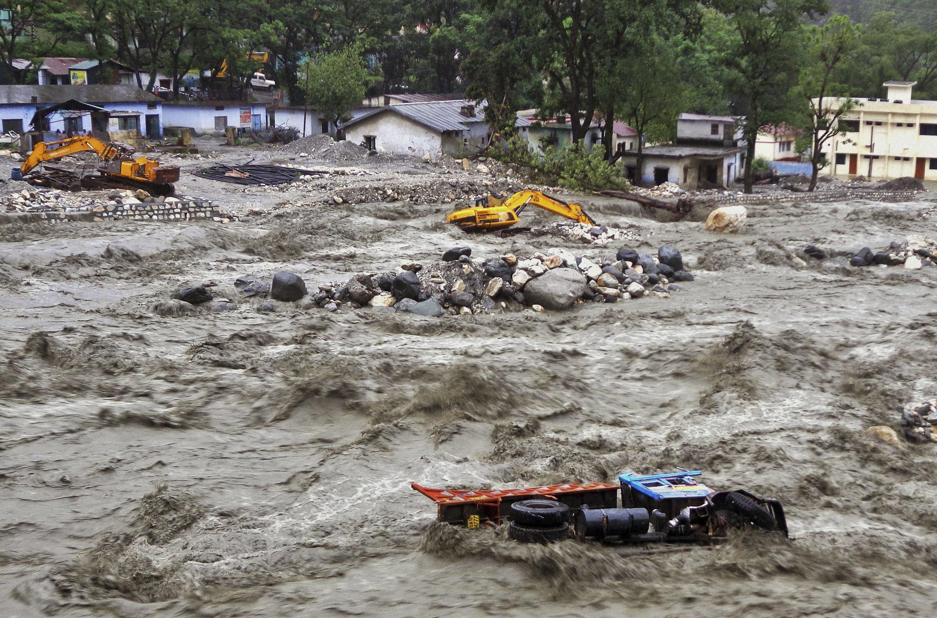 India, alluvioni nel nord per piogge torrenziali