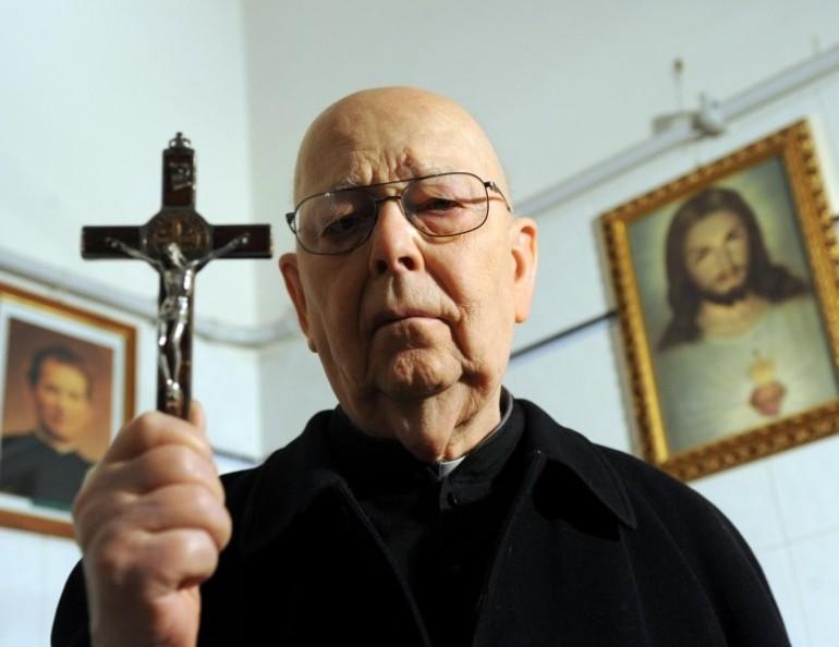 """""""Vi spiego a cosa serve l'esorcismo del Papa"""""""