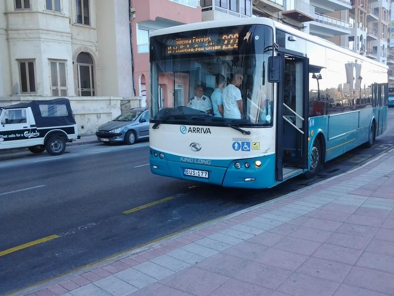 Un moderno autobus King Long Arriva a Sliema