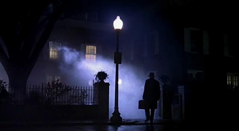6) L'Esorcista, film del 1973 girato da William Friedkin, che ruota intorno alla figura di Regan, posseduta dal demonio