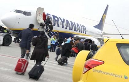 3. Con Ryanair atterri a chilometri dalla città dove sei diretto: essendo una compagnia low cost, i costi si mantengono anche servendosi di aeroporti minori e più defilati: come Oslo-Torp, che dista 120 chilometri dalla capitale norvegese