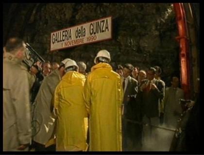 1 Novembre 1990: il ministro democristiano Giovanni Prandini inaugura i lavori per la Galleria della Guinza