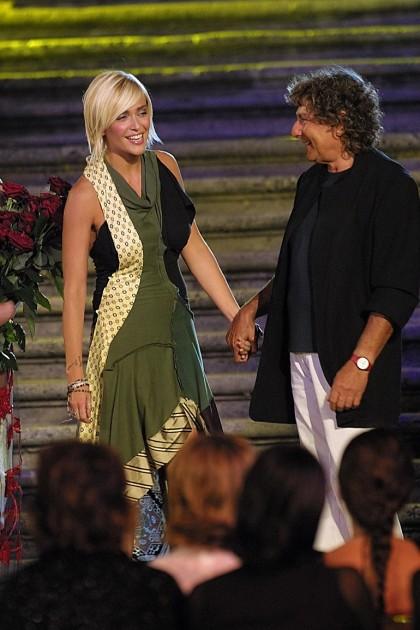 Aldo Coppola con Paola Barale, nel 2002 (Foto. LaPresse)