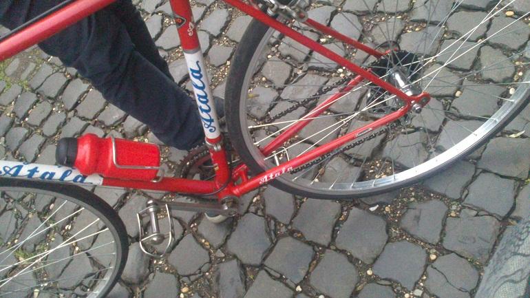 Ladri di biciclette il mercato del rubato a roma - Auto usate porta portese ...