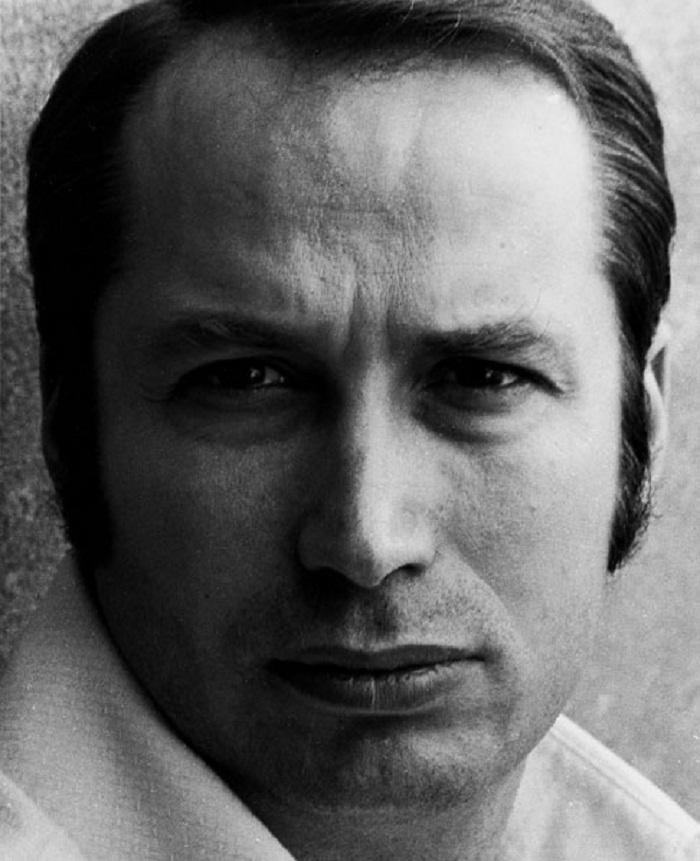 Giovanni Bruschi (1972) Photocredits: www.giovannibruschi.it