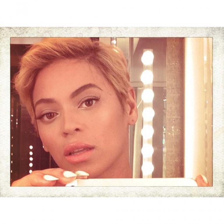 1. Beyoncé sfoggia il suo nuovo taglio di capelli (Foto: Instagram/Beyoncé)