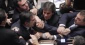 26/ott/2011 Fli vs Lega per accuse a imparzialità di Gianfranco Fini, all'epoca presidente della Camera.