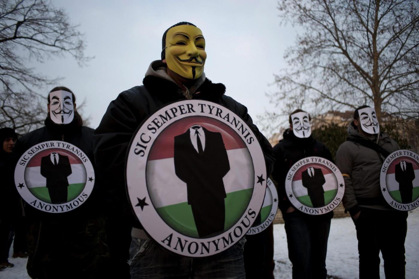 bufala-dropbox-attacco-anonymous