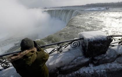 cascate niagara ghiacciate foto 9