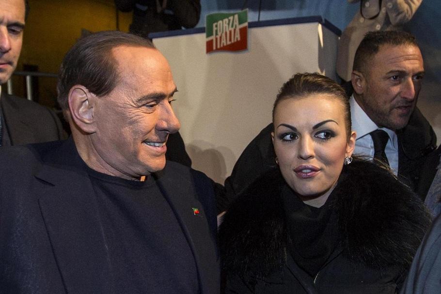 Manifestazione di Forza Italia contro la decadenza di Berlusconi