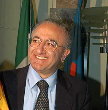 vincenzo de luca decaduto sindaco salerno