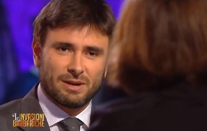 http://www.giornalettismo.com/wp-content/uploads/2014/02/Alessandro-Di-Battista-Corrado-Augias-Invasioni-Barbariche.jpg
