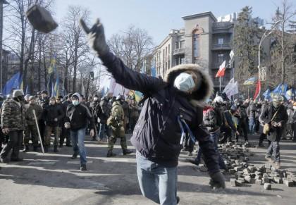 Kiev Ucraina proteste scontri 12